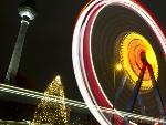 Pontos turísticos da capital da Alemanha receberam decoração natalina e criaram belas paisagens