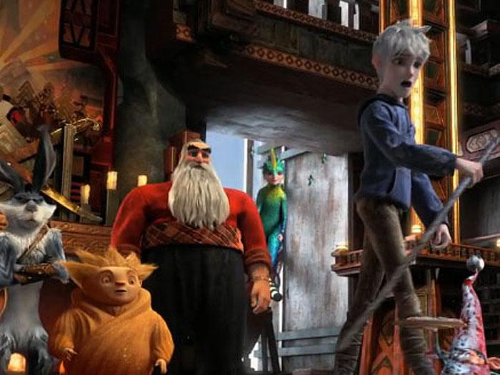 <p>Com previsão de estreia para o dia 30 de novembro, a animação <em>A Origem dos Guardiões</em> promete ser a grande sensação dos filmes de Natal deste ano.</p><p></p><p>Trata-se de uma aventura épica que conta a história de um grupo de heróis - cada um deles com habilidades extraordinárias. Quando um espírito maligno conhecido como Pitch lança o desafio de dominar o mundo, os imortais Guardiões precisam unir suas forças para proteger as esperanças, crenças e imaginação das crianças de todo o mundo. Os guardiões são o Papai Noel, o Coelho da Páscoa, a Fada do Dente, dentre outros personagens infantis.</p><p></p><p>Nesta galeria, divirta-se relembrando de outros filmes de Natal.</p>