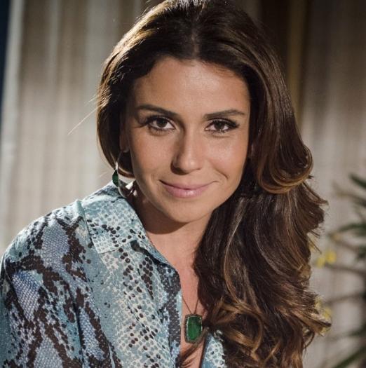 <p>E a grande vencedora na preferência das telespectadoras é Giovanna Antonelli. Para viver a delegada Helô, de <em>Salve Jorge</em>,ela clareou os cabelos e colocou megahair</p>