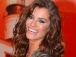 Alinne Moraes revela o segredo dos cachos mais desejados do Brasil