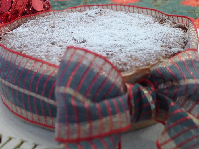 <p>Para encomendas, você pode entrar em contato com Alessandra e consultar as condições.</p><p></p><p>Os bolos da Marmitinha custam R$ 25,00 e vão desde sabores simples como de cenoura, até de chocolate belga com laranja e maçã com damasco e castanhas. Hmmm!</p><p></p><p>Ficou com vontade? Não perca tempo!</p><p></p><p><strong>Marmitinha By Alessandra Von</strong></p><p><strong>Telefone:</strong> (11) 9-9152-0848</p><p><strong>E-mail:</strong> falecomamarmitinha@gmail.com</p><p><strong>Redes sociais: </strong>http://facebook.com/amarmitinha</p><p></p>