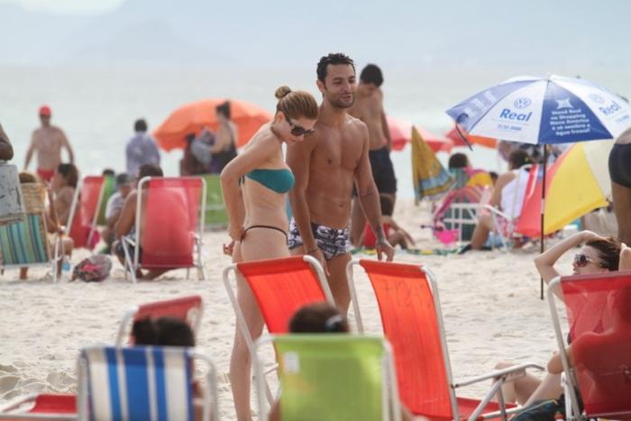 <p>Longe da agitação do Carnaval, Antônia Fontelle passou a tarde desta segunda-feira (11) na praia da Barra, no Rio de Janeiro</p>