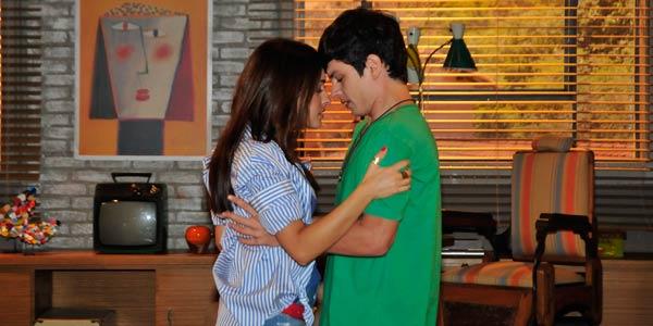 Débora beija Vicente