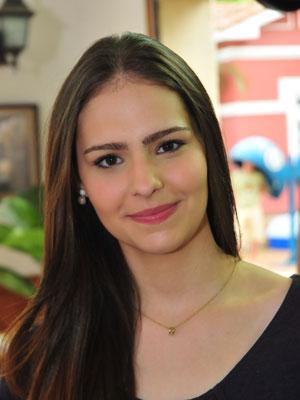 Karen Marinho comenta a relação divertida e atrapalhada de Cilene e Artur
