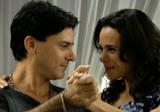 Ernesto abre revela que é pai de Jaqueline e abre mão de Divina