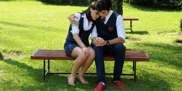 Murilo conforta Maria após briga com Solange