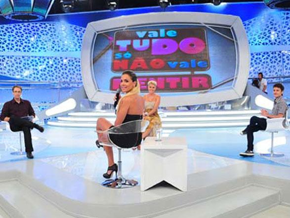 Joana Machado, ganhadora da Fazenda 4, confessou que fez aborto de um filho do jogador Adriano. Assista na íntegra