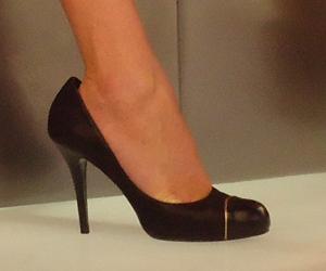 Confira o detalhe do look que Ana Hickmann usará neste domingo (2)