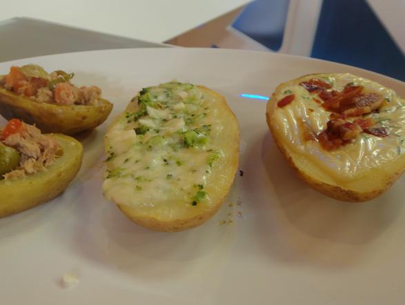 Segunda-feira (24): Olha que dica maravilhosa para o almoço: canoas de batata recheada! Aprenda com o Edu Guedes e prepare essa receita na sua casa! Veja aqui o passo a passo