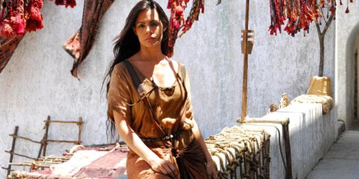 Livia Rossy diz ter feito muita pesquisa para interpretar a cortesã Ayla de <i>Sansão e Dalila</i>