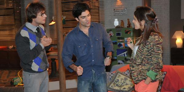 Marcelo e Débora anunciam namoro