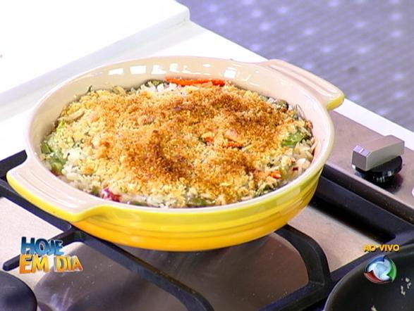 Os pratos simples também podem surpreender! O tradicional  arroz de forno sempre é uma boa pedida
