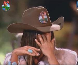 """""""Sou barraqueira e sinto vergonha por isso"""", diz Nicole com lágrimas nos olhos"""
