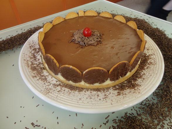 Tradicional e deliciosa, a sexta receita mais procurada em setembro foi a torta holandesa. Anote a receita e prepare em casa!