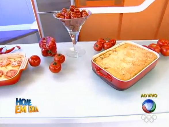 Na quinta posição, um delicioso bauru de forno! Edu contou com a ajuda de Rodrigo Faro e Vera Viel para preparar essa receita. Veja o passo a passo e faça você também!
