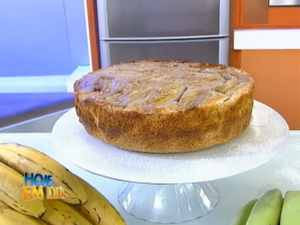 Em primeiríssimo lugar, a deliciosa receita de torta de banana! O preparo é fácil e o resultado maravilhoso! Anote a receita e arrase na sobremesa!