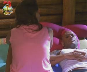 Angustiado, Rodrigo Simões chora na Casa da Árvore