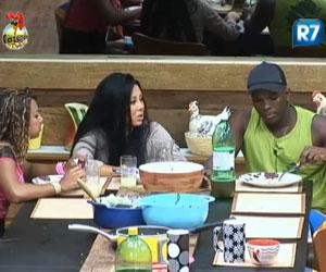 Raphael explica como é a sua dieta para Natália e Karine