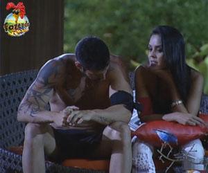 'Eu não quero só a sua amizade', diz Thyago para Flávia