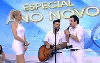 Marcos e Belutti animam plateia com música I Love You