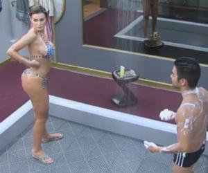 Andressa Urach mostra por que é Miss Bumbum em banho com Yudi