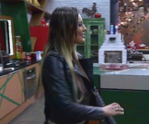Andressa conta orgulhosa sobre troca de cusparadas com Denise